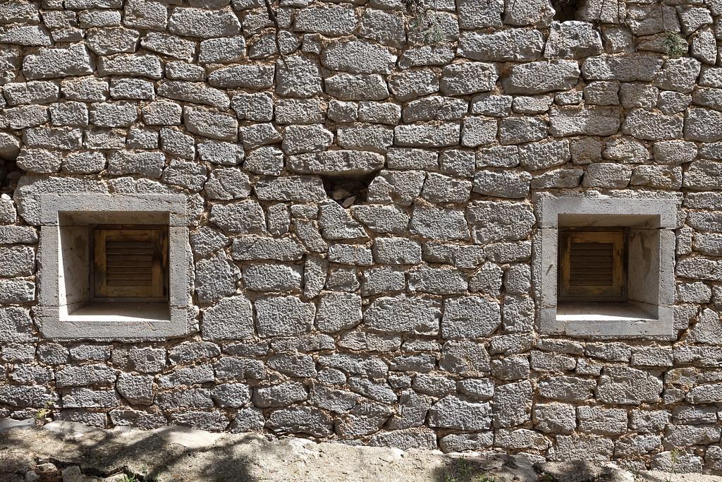 Mallorca 2017 (Stefan Giese) Tags: Mallorca Canon 6d 24105mm Wand Steinwand  Wall Fenster