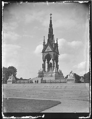 Prince Albert Memorial, Kensington, London, 1918-1919 (State Library of New South Wales collection) Tags: australia worldwarone ww1 statelibrary nsw newsouthwales rex hazlewood war correspondents princealber memorial london