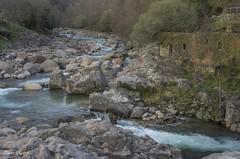Junto al molino (pedroramfra91) Tags: naturaleza nature rio river agua water rocas rocks molino