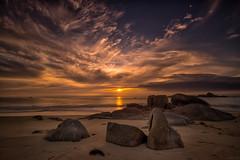 Coucher de soleil - Cléder - Les Amiets (glassonlaurent) Tags: bretagne france paysage landscape ciel sky coucher de soleil cléder les amiets sunset cloud nuage