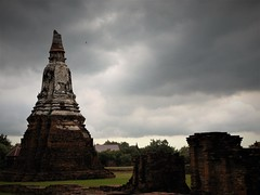 the impending storm (SM Tham) Tags: asia southeastasia thailand ayutthaya unescoworldheritagesite watchaiwatthanaram thai buddhisttemple building ruins stupa storm clouds sky outdoors
