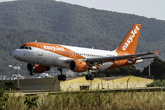 A 319-111  Easu Jet - aterrizando en Ibiza (ibzsierra) Tags: tamronsp150600mmf563divcusdg2a022 airbis easyjet a319111 a319 gezdp ibiza eivissa baleares canon 7d tamrron 150600 g5 avion plane aviacion aviation aterrizaje