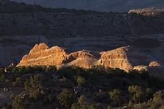 sun on sandstone (Jeff Mitton) Tags: ridge rockformation sandstone sunset landscape