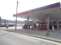 Texaco - Newtown, Powys (christopherbarker13) Tags: texaco petrol garage petrolstation newtown powys
