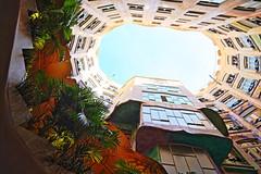 La Pedrera courtyard (Peter J Brent) Tags: casamilà lapedrera barcelona spain