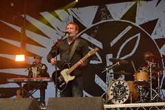 397-20170604_13th Wychwood Music Festival-Cheltenham-Gloucestershire-Main Stage-The Levellers-keyboards, guitar 2, drums (Nick Kaye) Tags: wychwood music festival cheltenham gloucestershire england