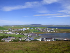 An Elevated View Of North And East Stromness (orquil) Tags: elevated viewpoint stromness north east view suburbs outskirts seaside calm blue sea bayofstromness brinkiesbrae high hill foreground mixed houses shops cooperativesupermarket carpark prominent primaryschool industrialbuildings stromnessacademy sportsfield recent housingestate sunny afternoon july summer sunshine orkney islands scotland uk unitedkingdom greatbritain britain orcades interesting nice scenic