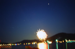 7.3.17 LLWM Fireworks Pentax E6 E 19 (Jcicely) Tags: 2017 e6 fireworks fourthofjuly july loonlake loonlakewithmarvin pentax35mm water