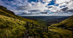 fairbrook (Phil-Gregory) Tags: kinderscout nikon d7200 tokina 1120mm 1120mmf28 1120mmproatx 1120 fairbrook peakdistrict wideangle gate fence colour green ultrawide national nature nationalpark naturalphotography naturalworld natural naturephotography countryside country wild hike