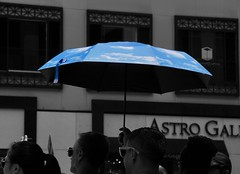 """""""If I could give you just a blue sky, get you out of the dark Cause you've been going round in circles and you never stop"""" -  Lucie Silvas (Lidiya Nela) Tags: sonya6000 sony nyc newyork newyorkcity manhattan urban city street streetphotography candid people mood blue skies umbrella partialcolor selectivecolor"""