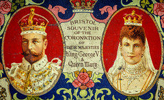 Queen Mary & George V Coronation Box - 1910 (SKAC32) Tags: queen macro canon100mmf28macro kinggeorgev queenmary tinbox commerationbox coronation macromondays souvenir bristol swengland