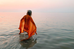 Gangasagar - for A Holy Dip (pallab seth) Tags: sadhu holydip gangasagar gangasagarmela2017 pilgrim pilgrimage religious religion festival fair bengal india asia hindu hinduism tradition custom culture bathing candid candidshot people peopleoftheworld indian asian face portrait outdoor dawn morning ritual priest anindianportrait samsungnx300m samsung16mmf24ifunctionlens