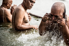 Holy Waters-DSC_9864 (thomschphotography3) Tags: india asia benares varanasi ganges ganga men hindu hindism bath spiritual religion water washing bathing oldmen portrait streetphotography