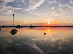 Sunset by the lake (derliebewolf) Tags: summer nature lake reflection silence clouds golden hour foveon sigma dp1 quattro landscape panorama berlin rangsdorf abitoforder flickrfriday boat flare sunburst swimming germany