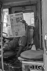 Have a break! (LNG Urbx) Tags: maharashtra india inde street break paper bollywood
