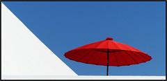 French collection - (diaph76) Tags: france lehavre normandie seinemaritime ville extérieur city parasol umbrella rouge red bleu blue blanc white tricolore graphisme graphic