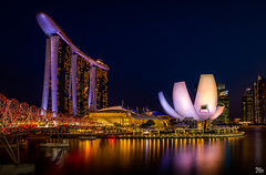 "Marina Bay Sands (mark.iommi) Tags: marinabaysands marinabaysandshotel artsciencemuseum marinabay singapore helixbridge cityscape citylights pentaxart ""pentaxflickraward"""