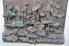 Carving at Wat Traimit, Bangkok. (Manoo Mistry) Tags: nikon nikond5500 tamron18270mmzoomlens tamron buddha buddhist buddhism wat wattraimit thailand bangkok temple stonecarving carving