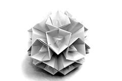 Cristallina (Andrey Hechuev | Андрей Хечуев) Tags: kusudama modularorigami origami origamimodular papiroflexia papiroflexiamodular modulares dobradura dobraduradepapel andreyhechuev andriyx kusudamacristallina cristallina bw btw biancoenero blancoynigro blancoypero blancetnoir чб андрейхечуев оригами кусудама кристаллина