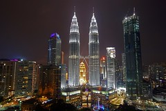 Kuala Lumpur - Petronas Twin Towers (CHWVB) Tags: malaysia reisen traveling sony alpha kuala lumpur city street asien südostasien south east asia petronas towers night sunset f1