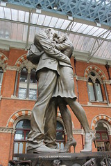 IMG_1763-1 (Brian_Fichardo) Tags: brianfichardo london st pancras statue war sculpture station