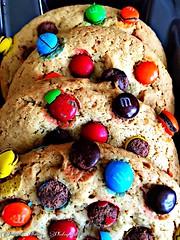 Cookies! #mms #mandms #mandm #cookies #sweettooth #cookie #sweet #food #foodporn #candy #chocolate #chocolatecandies #photography #digitalphotography #colors #color #rainbow #rainbowcookies #colorful (mz.prettyprincezz454) Tags: mms mandms mandm cookies sweettooth cookie sweet food foodporn candy chocolate chocolatecandies photography digitalphotography colors color rainbow rainbowcookies colorful