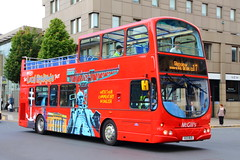 Make the Most of Summer (G6906) (Fraser Murdoch) Tags: mcgills make most summer greenock paisley glasgow west end kelvingrove museum g6906 i6906 x23 bus x23bus 6906 wright gemini daf db 250 canon eos 650d fraser murdoch transport service rare 17 commuter student marketing campaign johnstone depot