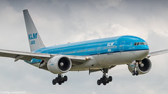 KLM 777-200ER on short final for runway 27 (Nicky Boogaard) Tags: boeing airbus aviation dmaviation aircanada klmcityhopper aa americanairlines kalittaair deltaairlines 787 dreamliner easyjet a319 747 freigther 747400 777200 77w 7878 7879 embrear e175 jetairways united keniaairways