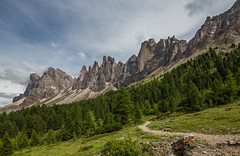 Geislergruppe / Gruppo delle Odle (CBrug) Tags: geislergruppe gruppodelleodle dolomiten adolfmunkelweg broglesalm dolomites southtyrol adolfmunkeltrail altoadige italia italy italien berge mountains montagnes montagne berg mountain outdoor bergspitze peak grat bergkamm kamm abhang fels felsformation rocks felsen magdalena weg trail landschaft landscape paysage paisaje paesaggio landschap krajolik krajobraz peyzaj