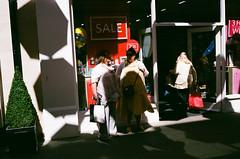 Shopping (James_2nd) Tags: leica m4p voigtlander color skopar 35mm f25 fuji superior extra 400