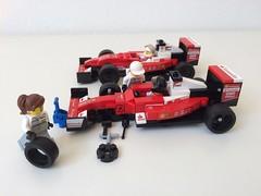 Ferrari Formula 1 - Minifig scene plus front axle (ER0L) Tags: