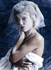 Portrait in White and Blue (Francesco Griselli Berlucchi) Tags: portrait portraits portraiture portraitphotos bestportraits photography fotografia colore colorportrait photographer