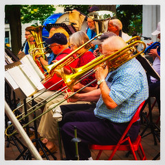 In Concert (Timothy Valentine) Tags: 2017 0717 people concert vacation music hallowellcommunityband sliderssunday