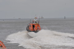 DSC_1713 (jakear) Tags: rnli lifeboat fleetwood blackpool barrow morcambe hovercraft