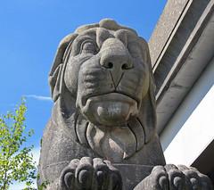 Lions at Britannia Bridge (Bad Wolf Babe) Tags: lindajenkins britanniabridge bridge britanniabridgelions statue lion