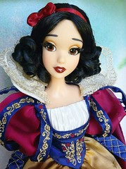 Complete Innocents (ozthegreatandpowerful) Tags: disney store d23 exclusive limited edition snow white andthe sevendwarfs doll witch hag evil queen le