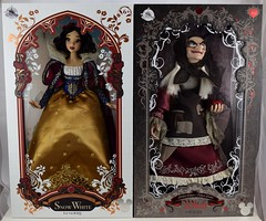 2017 D23 Expo Purchases - Day 2 Saturday July 15 - Art of Snow White - D23 LE Snow White and Hag (drj1828) Tags: d23 2017 expo purchases merchandise limitededition artofsnowwhite snowwhiteandthesevendwarfs snowwhite queenashag witch hag