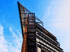The edge (kanotpic) Tags: modernoffice architektur glass blue skyscraper lines cooldesign intothesky colourful geometry düsseldorf architecture city rooftop geometrie