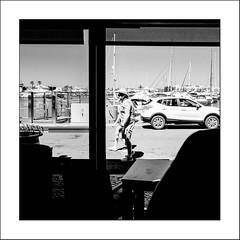 Images Singulières du Portugal (Napafloma-Photographe) Tags: 2017 algarve architecturebatimentsmonuments bandw bw bateau bâtiments catégorieprojet cuisinealimentationnourriture guinness géographie métiersetpersonnages objetselémentsettextures personnes portugal pub techniquephoto transports vacances bière blackandwhite boissons café magasin monochrome napaflomaphotographe noiretblanc noiretblancfrance photoderue photographe province reflet restaurant streetphoto streetphotography vilamoura pt