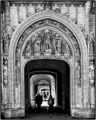 Grand Place, Brussels, Belgium (Sally E J Hunter) Tags: brussels bruxelles belgium belgique belgië belgien noiretblanc blackwhite blackandwhite zwartwit portal grandplace grotemarkt arch monochrome doorway