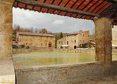 Bagno Vignoni (SI) (Darea62) Tags: bagnovignoni village valdorcia pool unesco tuscany ancient houses travel sanquirico spa holiday clouds saffron wellness
