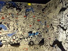 Kesadi (détail) (juillet 2017) (Archi & Philou) Tags: murpeint paintedwall streetart intérieur couloir corridor rehab réhabilitation maisondesartsetmétiers artsetmétiers exposition exhibition kesadi détail