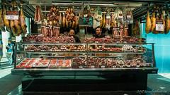 What's not good about jamon? @ Mercado de La Boqueria, Barcelona (mirrorlessplanet.com) Tags: mirrorlessplanetcom spain barcelona catalonia travel mercadodelaboqueria food market laboqueria