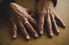 Manos de mi abuela (romigutierrez) Tags: hands ring grandma wrinkles