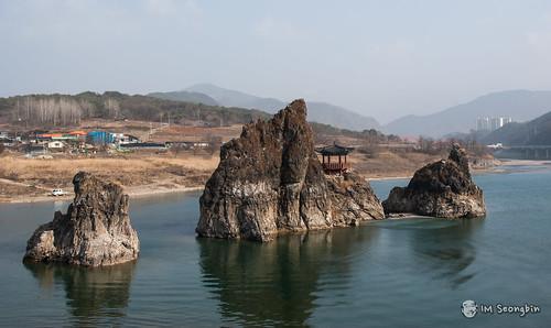 Dodamsambong, Peaks(도담삼봉)