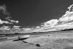 DSC01513 (Damir Govorcin Photography) Tags: boat sand sky clouds water wide angle zeiss 1635mm sony a7ii sydney canada bay monochrome blackwhite natural light landscape