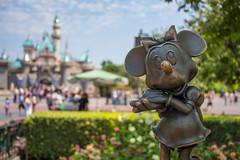 Minnie Mouse (Justlai87) Tags: disneylandresort disneylandcalifornia disneylandanaheim disneyland california fantasyland minniemouse sleepingbeautycastle mainstreetusa