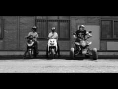 #galaxy S7 (Yacin.M) Tags: blackandwhite scooter quad motorrad bike peugeot yamaha helmet streetfighter alpinestars