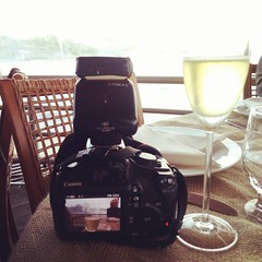 Causando 🍷 #job ❤ #amomeutrabalho  #studiomichellebartlett (Studio Michelle Bartlett) Tags: instagramapp square squareformat iphoneography uploaded:by=instagram rise