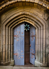 Parish Church Door, Tynemouth Priory (S.R.Murphy) Tags: architecture coast england englishheritage fujixt2 july2017 northeastengland tynemouth tynemouthpriory door parish